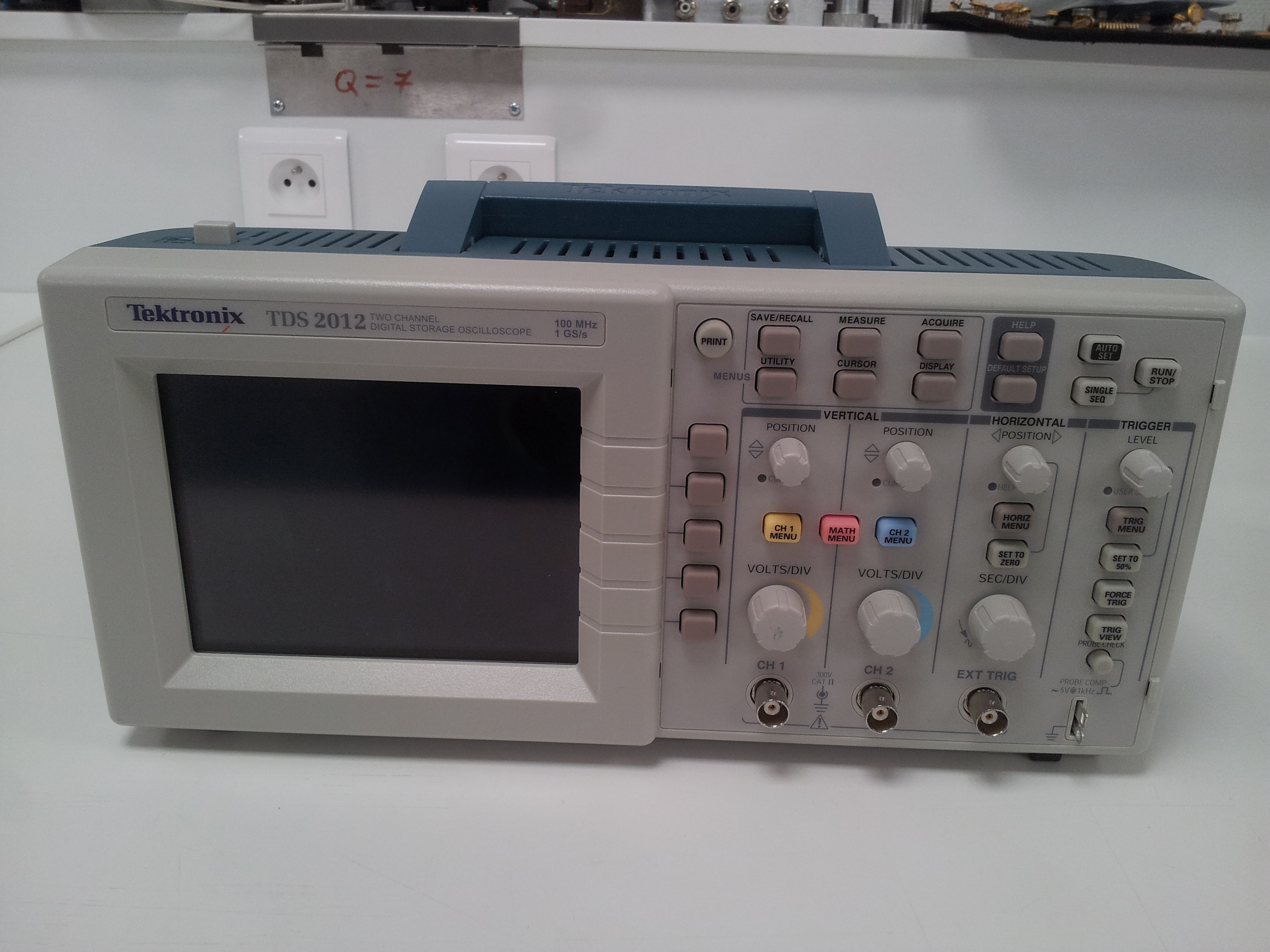 Picture of oscilloscope (F-FRAI)