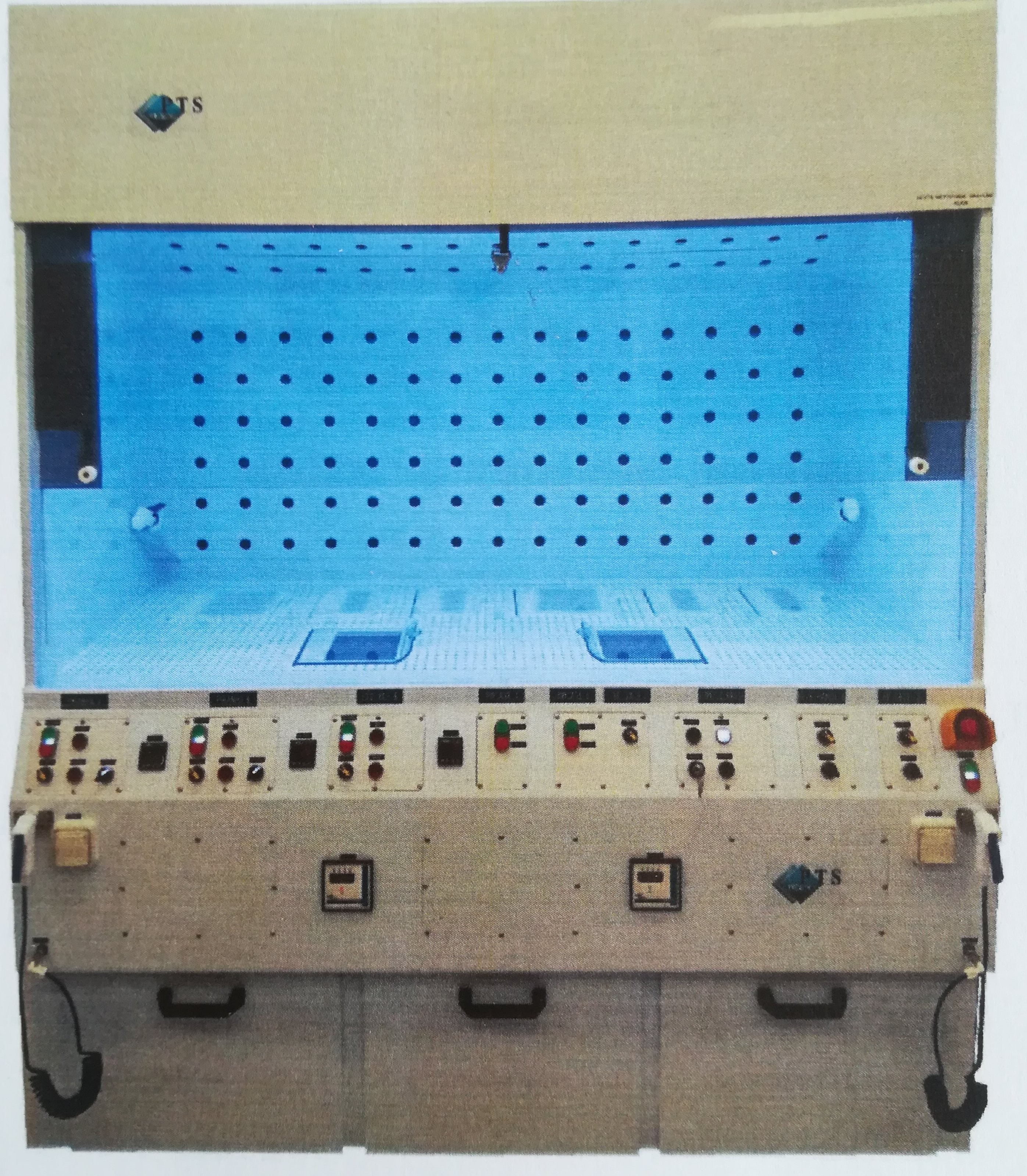 Picture of acid wet bench for multicleaning and etching(F-FRAI)